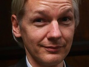 https://opiordafama.files.wordpress.com/2011/01/julian-assange1.jpg?w=300